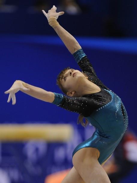 Виктория Александровна Комова Viktoria Komova - 2011 Artistic Gymnastic World Championships #gymnastics #fig2011Tokyo