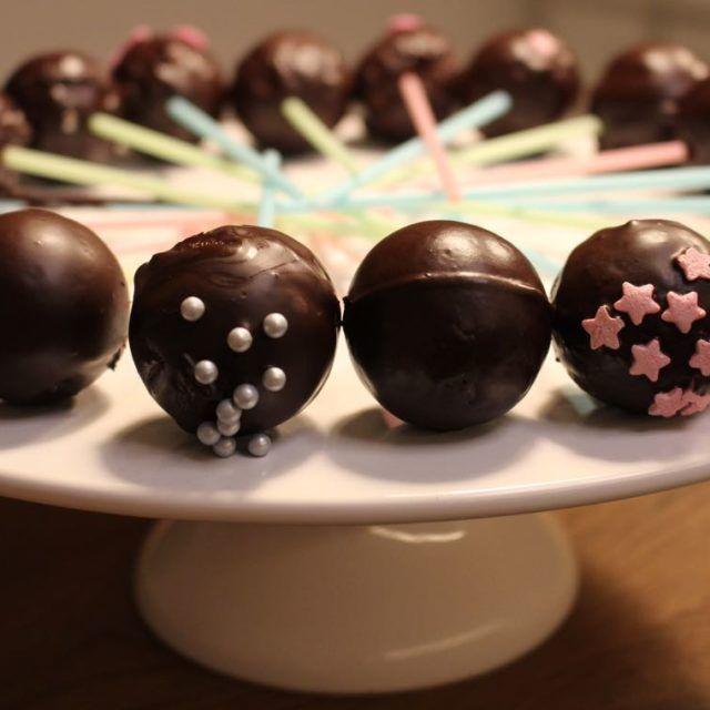 Cakepop-Maker: Das Geschenk vom Christkind im Test, einschließlich Rezept für den Thermomix, Schokoladen Cake Pop