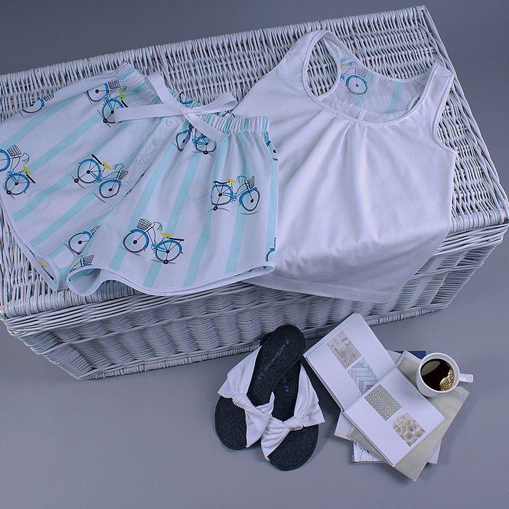 Śliczna letnia piżama. Już możesz ją mieć! Te urocze, modne szorty oraz top dostępne są w różnych wariantach kolorystycznych na DaWanda i Pakamera. Zapraszam!