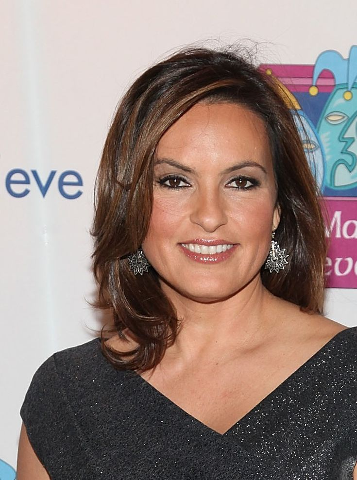 Flattering Celebrity Hairstyles for Round Faces: Mariska Hargitay