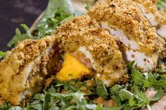 Αυθεντική συνταγή για κοτόπουλο cordon bleu (κόρντον μπλου) από τον Άκη Πετρετζίκη! Μία κλασική συνταγή που λατρεύουν όλοι, και το καλύτερο; Έτοιμη σε 40 λεπτά!