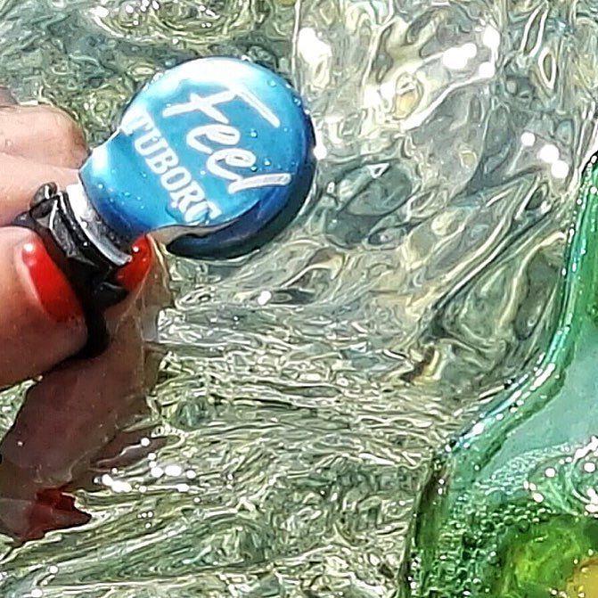 Underwater freshness.  Il mare il sole una birra fresca.  Per oggi sono a posto.  ______________________________________ #me #splash #beer #sea #sardegna #underwater #feel #strappalatuborg #sardinia #amazing #tuborg #bottle