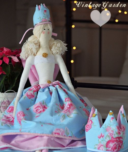 Świąteczna Duża lalka Tilda Anioł w koronie w Vintage Garden - ręcznie szyte niepowtarzalne lalki na DaWanda.com