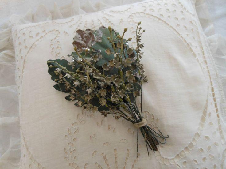 Antike Altarblumen, Maiglöckchen und Eichenlaub, Metall, shabby