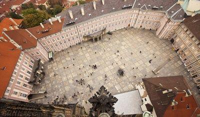 Nádvoří Pražského hradu/Prague Castle Courtyard