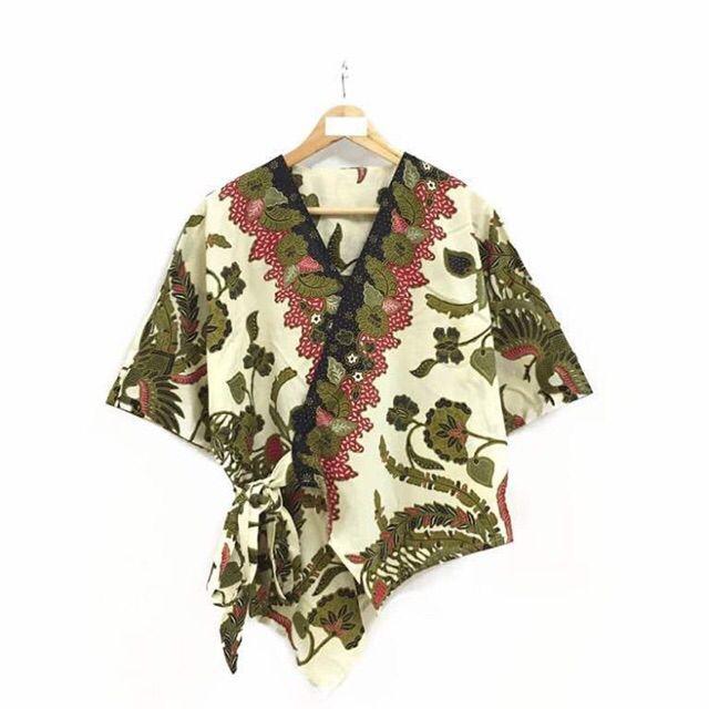 Saya menjual Blouse kimono batik seharga Rp124.000. Dapatkan produk ini hanya di Shopee! https://shopee.co.id/nurika.batik/243036685/ #ShopeeID