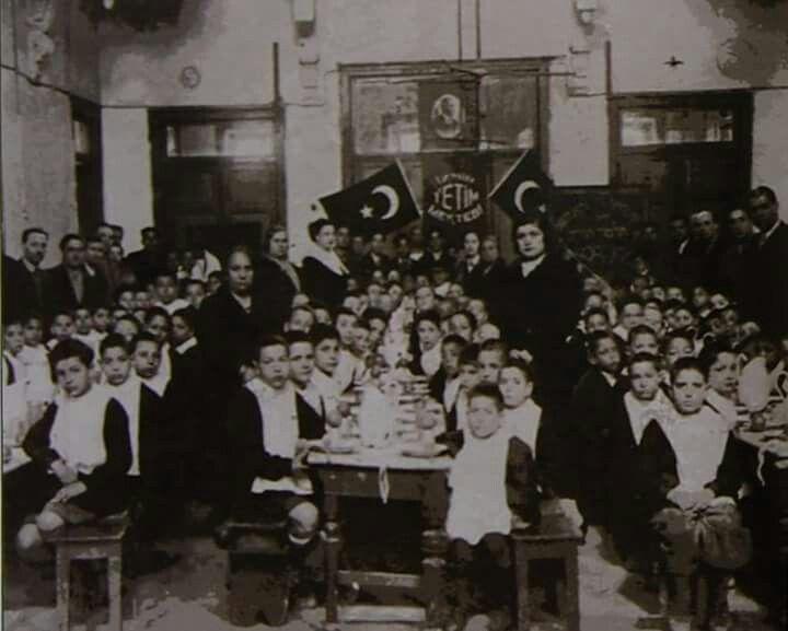 Izmir Yahudi Yetim Mektebi 1938/ The Jewish School of Orphanage in Izmir 1938