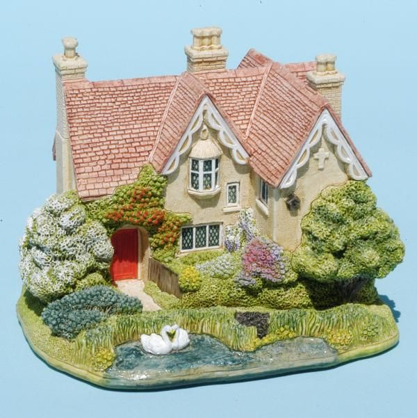 Lilliput Lane™ Cottages presented by Viv Marston