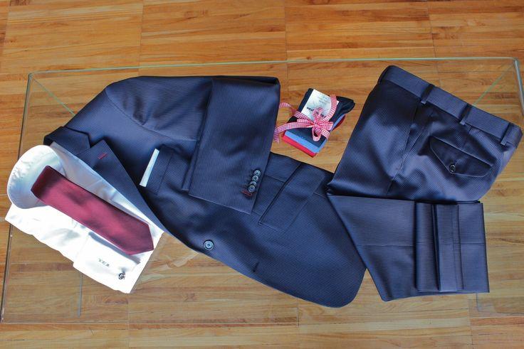 https://www.facebook.com/media/set/?set=a.10153089483349844.1073742380.94355784843&type=1  #fashion #style #menswear #mensfashion #mtm #madetomeasure #buczynski #buczynskitailoring #suit #reda #navyblue #tailoring #stripes