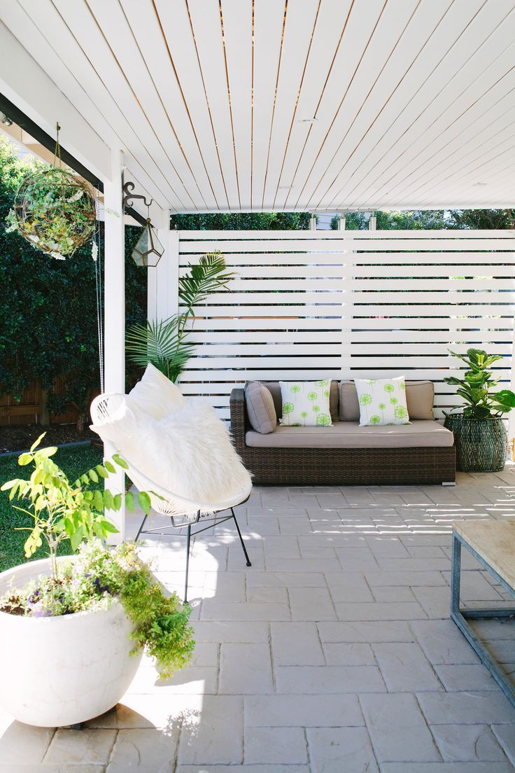 A Fresh Modern And Bright Home In Brisbane In 2020 Outdoor Rooms Patio Deck Designs Outdoor Screens