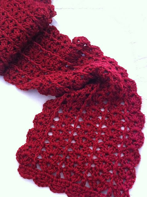 Urban Shells crochet scarf pattern.  I LOVE this pattern.  It works up quickly and self edges.