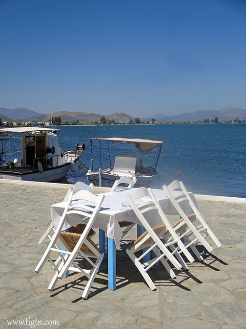 Faros waterfront taverna in #Mili, a small village on the opposite coast of the Argolic Gulf facing #Nafplio. #Peloponnese - #Greece