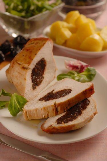 Mäso s prekvapením: Morčacia roláda so sušenými slivkami