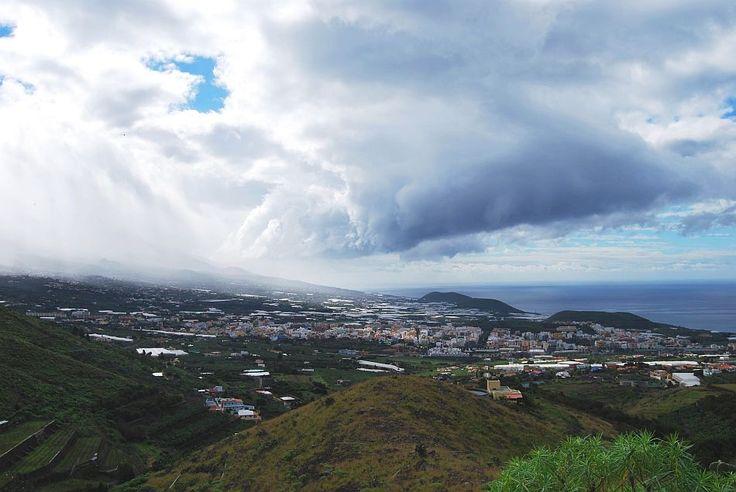 Regenwolken boven het Dal van Aridane