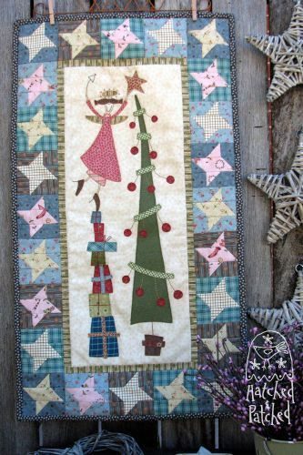 Chloe's Christmas Tree wall hanging pattern at Hatched and Patched (Australia)