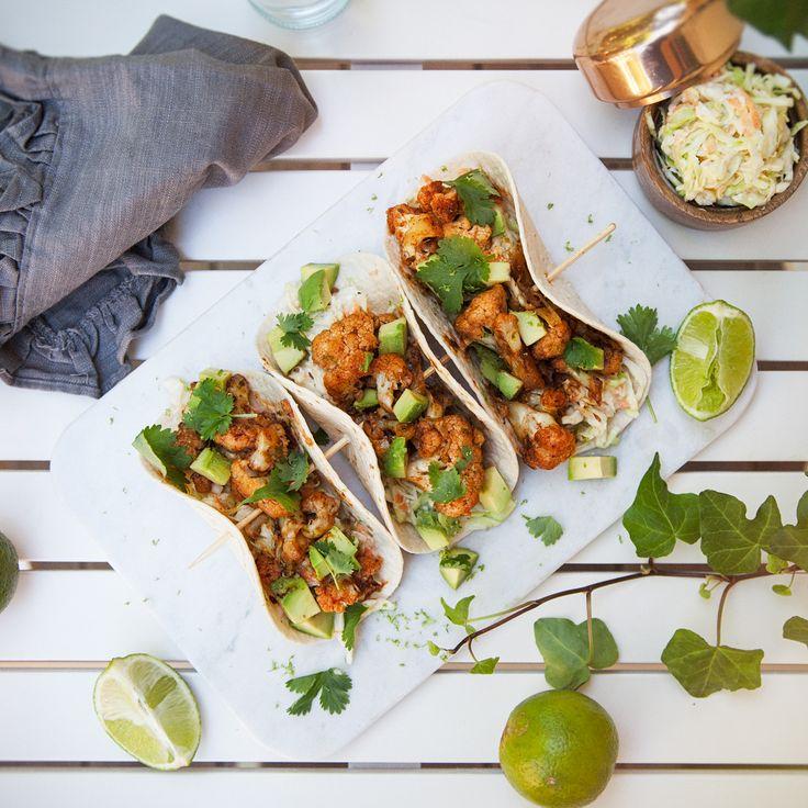 Blomkålstacos är definitivt en utmanare till den traditionella fredagstacon med kött. Så fräscht och gott!