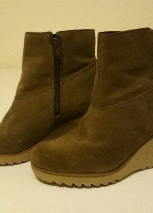 Kaufe meinen Artikel bei #Kleiderkreisel http://www.kleiderkreisel.de/damenschuhe/stiefeletten/136748073-stiefeletten-von-esprit-aus-echtem-wildleder #Stiefeltten #wildleder #keileabsatz #winter #damenschuhe #esprit