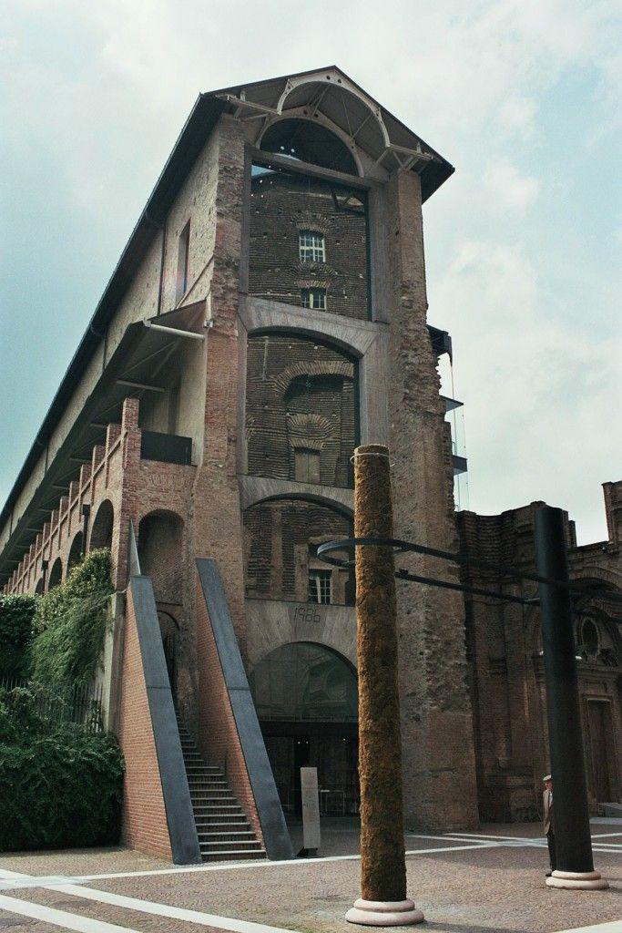 castello di Rivoli, Torino, Piemonte, Italia. 45°04′21″N 7°31′38″E