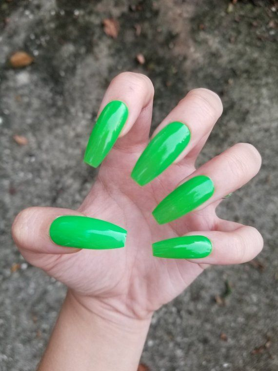 Neon Green Nails Set Of 20 Picture Plurfect Fake Nails Press Ons Glue Ons False Nails Fake Neon Green Nails Green Acrylic Nails Green Nails