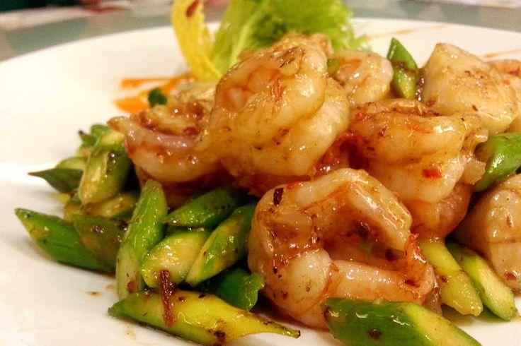 De Aziatische keuken is snel en gezond. Daarom maken wij regelmatig deze roerbak garnalen met groente. Het is makkelijk, snel, gezond en heel erg lekker!