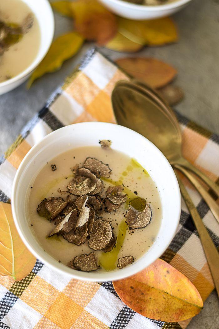 Vellutata di cannellini con tartufo estivo #recipe #vellutate #comfortfood #primipiatti