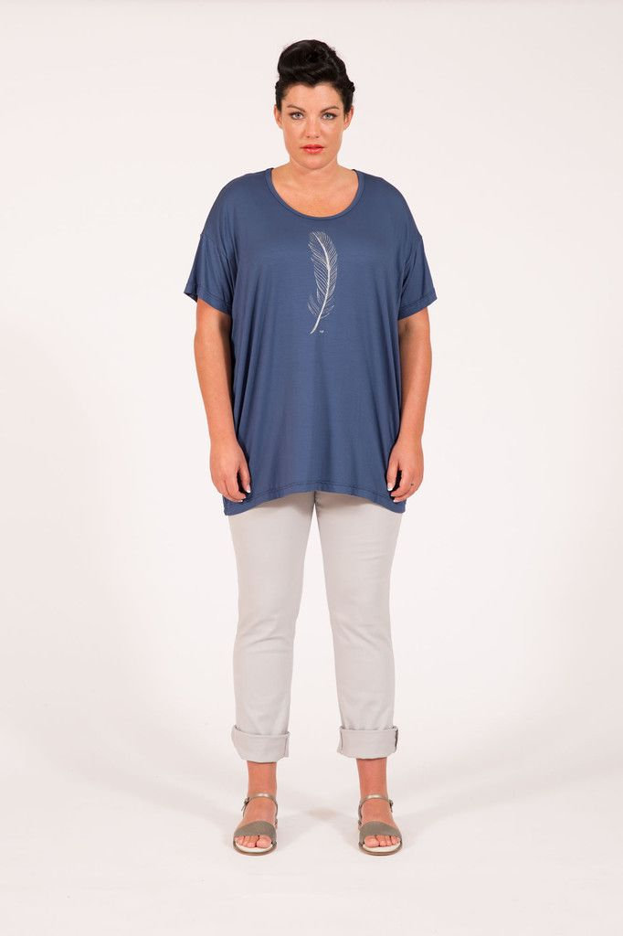 S16042 Feather Box Tee Wedgewood Multifit