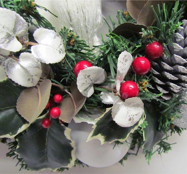 white owl wreath, detail