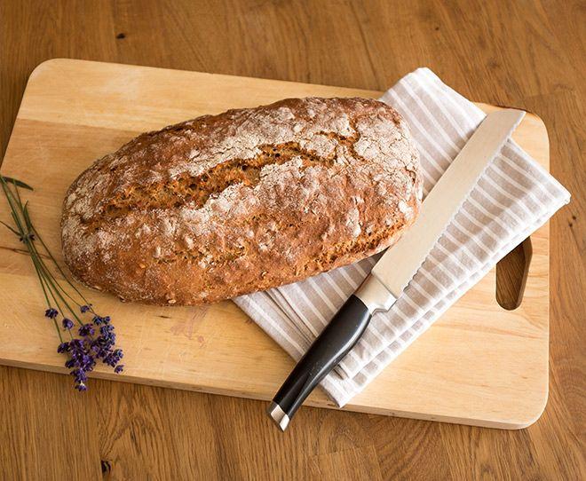 Lavendel-Dinkelbrot mit Joghurt