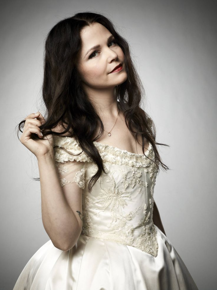 Ginnifer Goodwin • Snow White in Once Upon A Time ...