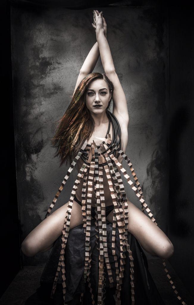 TENDENZE STYLIST AWARDS 2015 Tema #1 Futurisme   Foto: Nina Djærff   Hår/make-up- Linn Eggen  Smykke: Anja Magner   Modell: Vilde Eggen Sæther  #hair #futurisme #tema1