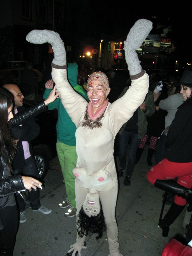 creepy halloween costumes woman