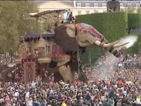 'The Sultan's Elephant' by Royal de Luxe, produced in London in 2006 by ...