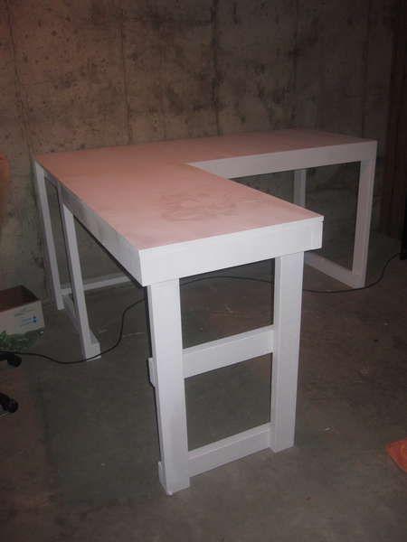 Diy corner desk with file cabinets woodworking projects for Diy corner desk