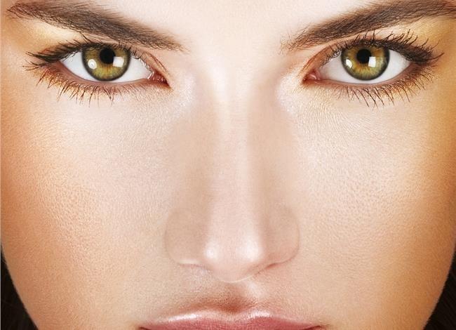 5 τρόποι για να σβήσουμε χρόνια από το πρόσωπό μας