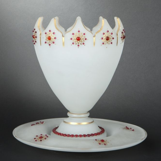 Opaline glass punch bowl and its standStands Expertissim, Opaline Glasses, Punch Bowls, Red Glasses, Glasses Beads, Small Pedestal, Glasses Punch, Opaline Object, Sons Présentoir