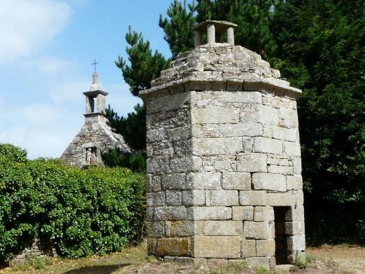 Chapelle Saint Charles Borromée à Saint-Pol-de-Léon , Finistère