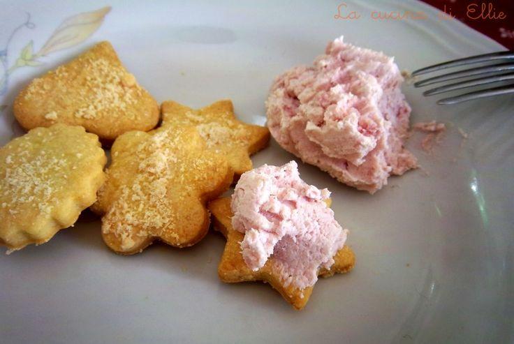 Biscotti sablé al grana e mousse di prosciutto