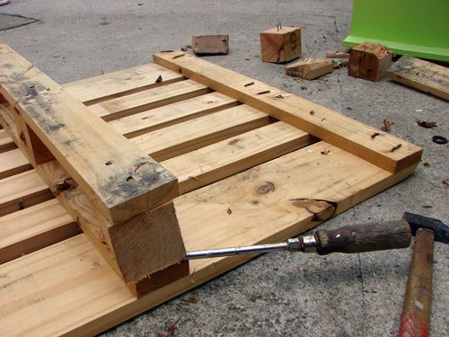 DIY Pallet Furniture (25 ways)