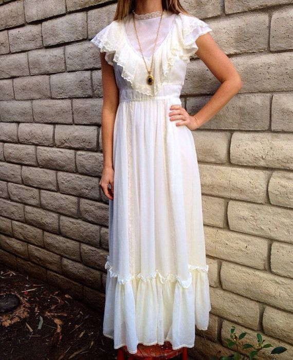 Vtg. 70's  Gunne Sax By Jessica Ivory Cotton, Lace & Pearls Whimsical Wedding Dress- Boho/Hippie/Bohemian Dress (XS-S) on Etsy, $86.00