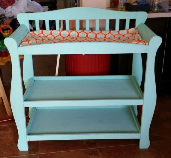 Changing table done in chalk paint by Annie Sloan. Redo by Texas ugly duckling of Portland Texas using old white and Florence.