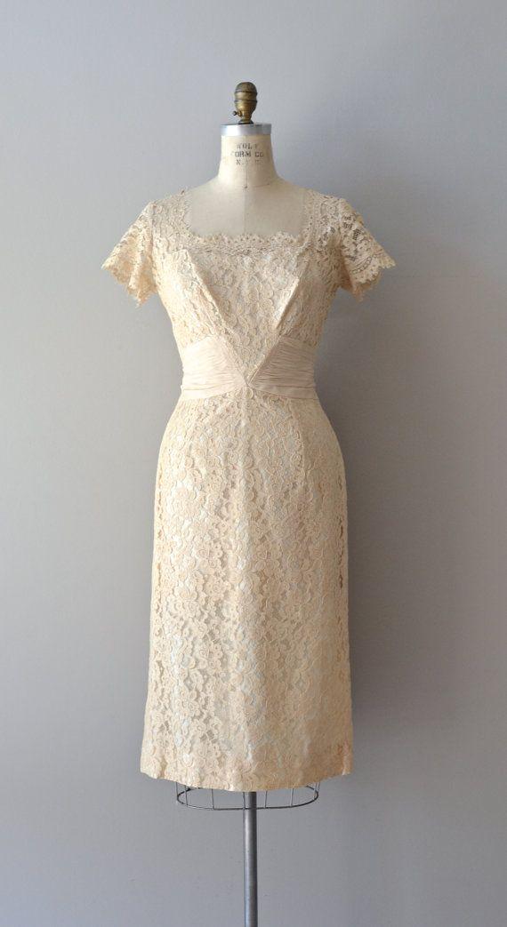 Feuillete lace dress / cream lace 1950s dress / por DearGolden