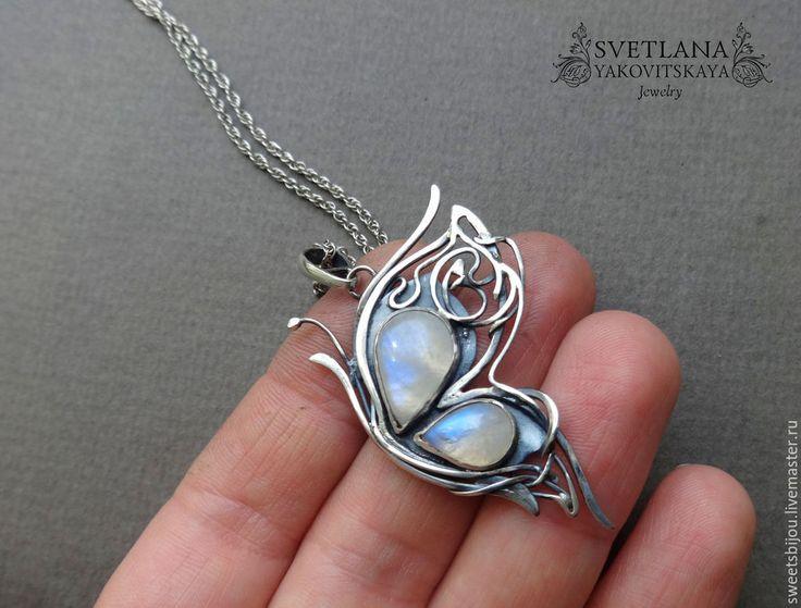 """Купить Серебряная подвеска """"Butterfly"""" - серебряный, бабочка, кулон бабочка, кулон с лунным камнем"""