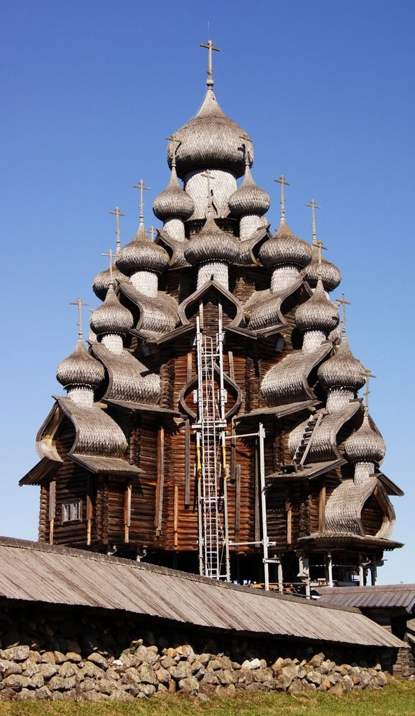 The 22-dome wooden Transfiguration Church in Kizhi Pogost, Kizhi island, Lake Onega, Russia. [https://en.wikipedia.org/wiki/Kizhi_Pogost]