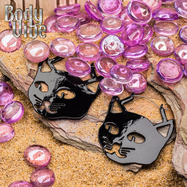 Me-ow! Celebrate #halloween with a set of black cat hoops for #plugs or #pierced ears.