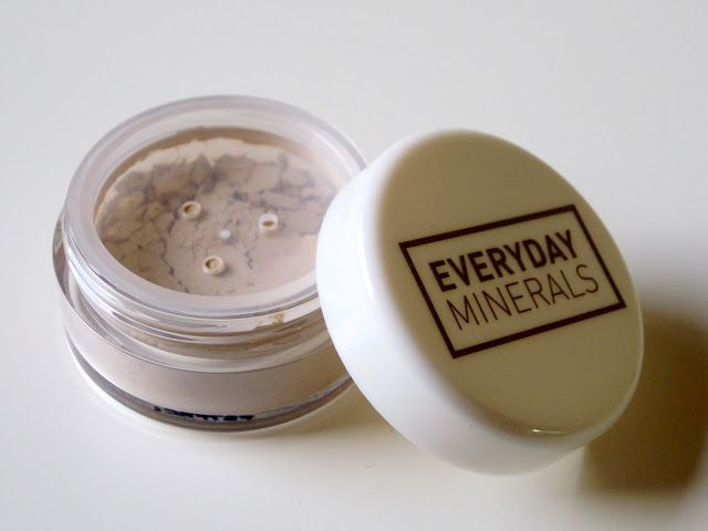 The Beauty Hunters: Swatch & review: correttore Everyday Minerals - Fair Carnauba Concealer
