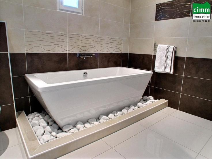 Feng-shui bathroom. Salle de bain zen.