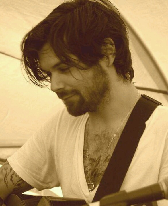 Simon Neil #Biffy Clyro writes the most moving and beautiful songs