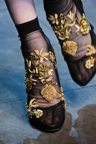 Dolce & Gabbana Fall 2012 Ready-to-Wear