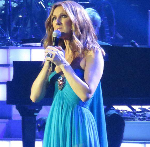 Après la mort de René Angélil, Céline Dion annule ses spectacles à Las Vegas | HollywoodPQ.com