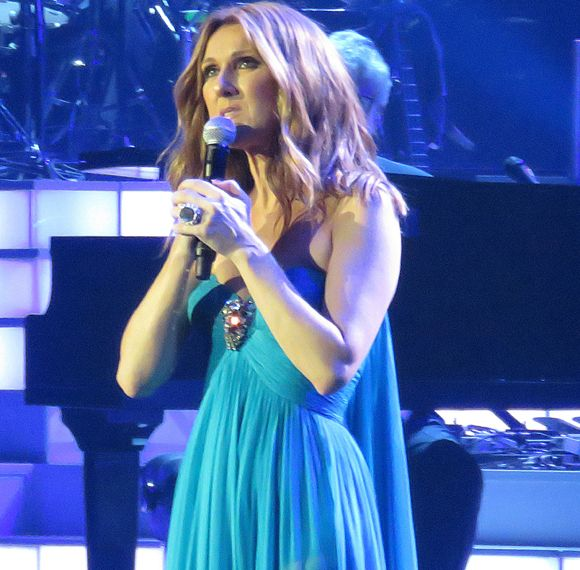 Après la mort de René Angélil, Céline Dion annule ses spectacles à Las Vegas   HollywoodPQ.com